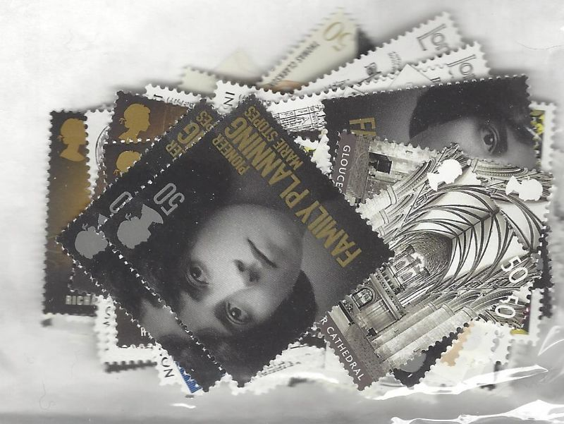 100 x 50p Discounted Postage Stamps (mixed designs)